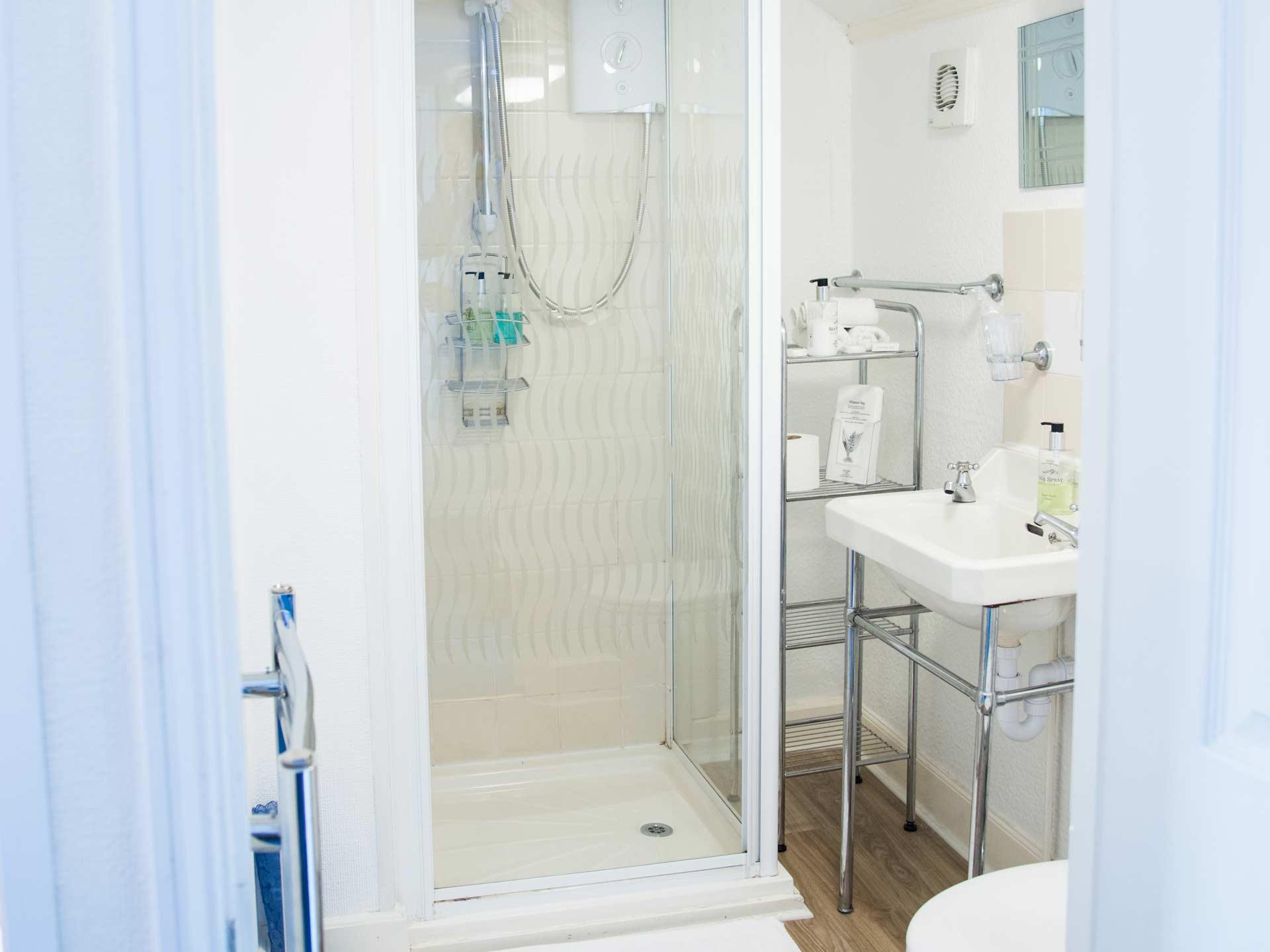 2017_Dunster_Bathroom